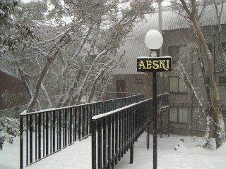 Aeski Lodge History - Mt Buller